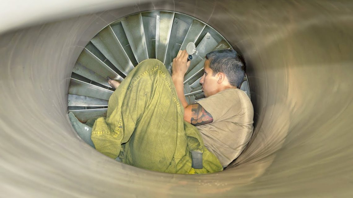 Scariest Job in the US Air Force ? Working Inside Jet Engine Intake