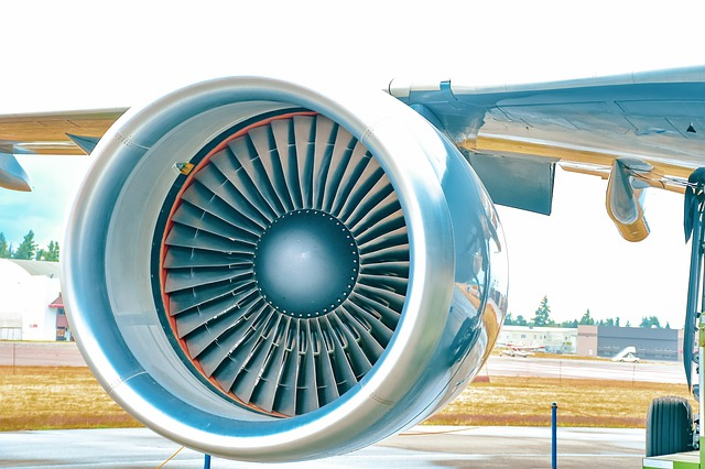 How does a jet engine start